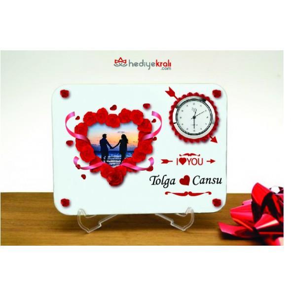 20deb1703f587 Sevgililer Günü Hediyesi - Resim Baskılı Kalp Tasarımlı Masa Saati